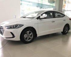 Bán xe Hyundai Elantra 1.6 MT năm sản xuất 2018, màu trắng, giá 560tr giá 560 triệu tại Tp.HCM