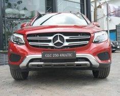 Bán xe Mercedes GLC 250 4MATIC 2018 màu đỏ, giá tốt, giao xe ngay giá 1 tỷ 879 tr tại Hà Nội