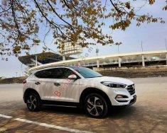 Bán ô tô Hyundai Tucson 1.6AT Turbo năm 2017, màu trắng giá 910 triệu tại Hà Nội
