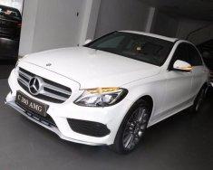 Cần bán xe Mercedes C300 AMG đời 2017, màu trắng giá 1 tỷ 949 tr tại Tp.HCM