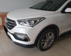 Cần bán xe Hyundai Santa Fe CRDi 2017 màu trắng máy dầu giá 995 triệu tại Tp.HCM