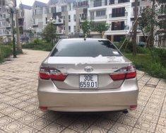 Cần bán xe Toyota Camry 2.0 đời 2015 giá 890 triệu tại Hà Nội