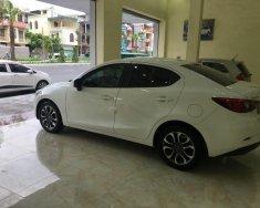 Salon bán xe Mazda 2 đời 2015, màu trắng, nhập khẩu giá 500 triệu tại Quảng Ninh