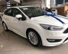 Bán xe Ford Focus Sport 1.5L EcoBoost sản xuất 2018, màu trắng giá 725 triệu tại Tp.HCM