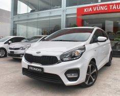 Cần bán Kia Rondo 2.0 GMT 2018, màu trắng, giá ưu đãi và nhiều quà tặng có giá trị giá 609 triệu tại BR-Vũng Tàu