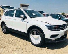 Cần bán lại xe Volkswagen Tiguan 2.0 2018, màu trắng, giá tốt giá 1 tỷ 699 tr tại Tp.HCM