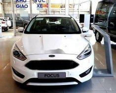 Bán xe Ford Focus năm 2018, màu trắng, giá tốt giá 750 triệu tại Tp.HCM