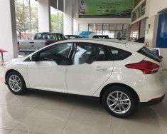 Cần bán lại xe Ford Focus 1.5 đời 2018, màu trắng giá tốt giá Giá thỏa thuận tại Tp.HCM