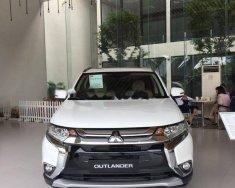 Bán Mitsubishi Outlander 2.0 CVT Premium đời 2018, màu trắng giá 945 triệu tại Hà Nội