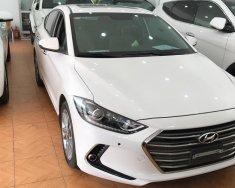 Cần bán xe Hyundai Elantra 2.0 GLS 2016, màu trắng, chạy chuẩn 1.5 vạn, xe gần như mới giá 645 triệu tại Hà Nội