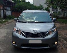 Chính chủ bán Toyota Sienna LE 2.7 năm sản xuất 2011, màu bạc, nhập khẩu giá 1 tỷ 180 tr tại Tp.HCM