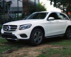 Bán Mercedes GLC200 sản xuất 2018, màu trắng giá 1 tỷ 684 tr tại Tp.HCM