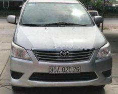 Cần bán Toyota Innova 2.0E đời 2013, màu bạc  giá 530 triệu tại Hà Nội