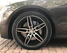 Cần bán gấp Mercedes-Benz E class đời 2016, đăng kí 2017 giá 2 tỷ 530 tr tại Hà Nội