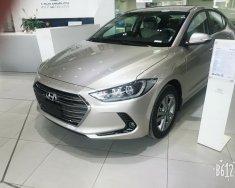 Bán xe Hyundai Elantra GLS đời 2018, màu kem (be) hỗ trợ ngân hàng tới 80% giá 635 triệu tại Tp.HCM