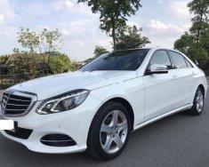 Bán xe Mercedes E200 đời 2014, màu trắng giá 1 tỷ 350 tr tại Hà Nội