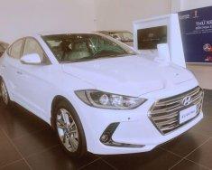 Cần bán Hyundai Elantra năm 2018, màu trắng giá 560 triệu tại Tp.HCM