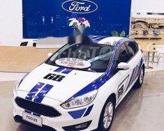 Cần bán gấp Ford Focus 2018, màu trắng xe gia đình, giá tốt giá Giá thỏa thuận tại Tp.HCM