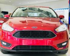 Cần bán Ford Focus 1.5 2018, BHVC, Film, ghế da, màn hình DVD, camera de giá 590 triệu tại Tp.HCM