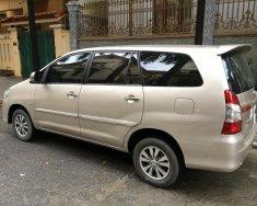 Cần bán xe Toyota Innova E 2015, màu vàng giá 540 triệu tại Hà Nội