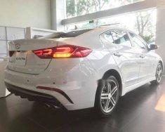 Cần bán xe Hyundai Elantra sản xuất 2018, màu trắng, 559tr giá 559 triệu tại Tp.HCM