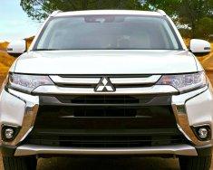 Bán xe Mitsubishi Outlander 2.0 CVT đời 2018, màu trắng, hỗ trợ vay 90% giá 822 triệu tại Đà Nẵng