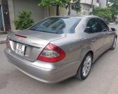 Bán ô tô Mercedes E 200 năm sản xuất 2009, màu bạc chính chủ giá 510 triệu tại Hà Nội