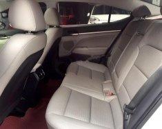 Cần bán lại xe Hyundai Elantra 1.6AT đời 2017, màu trắng còn mới giá 645 triệu tại Hà Nội