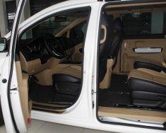 Bán xe Kia Sedona màu trắng, kèm nhiều quà tặng có giá trị cao giá 1 tỷ 179 tr tại Tp.HCM