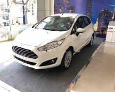Bán xe Ford Fiesta Titanium giá tốt đời 2018, màu trắng giá 500 triệu tại Tp.HCM