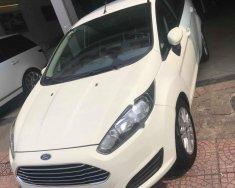 Cần bán xe Ford Fiesta AT năm sản xuất 2015, màu trắng, giá 425tr giá 425 triệu tại Hà Nội