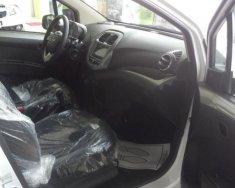 Bán Chevrolet Spark LT 1.2 MT 2018, màu trắng, giá 389tr giá 389 triệu tại Đồng Nai