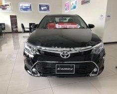 Bán ô tô Toyota Camry 2.5Q đời 2018, màu đen giá 1 tỷ 302 tr tại Hà Nội