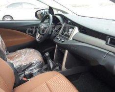 Cần bán xe Toyota Innova đời 2018, màu bạc, giá 700tr giá 700 triệu tại Tp.HCM