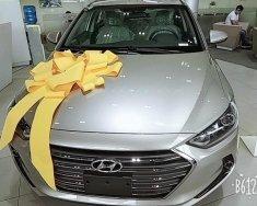 Bán ô tô Hyundai Elantra 1.6 AT sản xuất 2018, màu bạc giá 635 triệu tại Tp.HCM