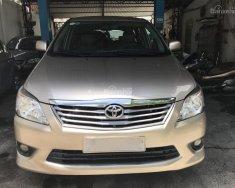 Cần bán lại chiếc Toyota Innova E sản xuất 08/2012, màu nâu vàng giá 510 triệu tại Tp.HCM