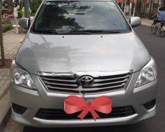 Cần bán lại xe Toyota Innova 2.0E năm sản xuất 2013, màu bạc chính chủ giá cạnh tranh giá 529 triệu tại Tp.HCM