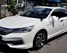 Bán xe Honda Accord năm 2017, màu trắng chính chủ giá 1 tỷ 80 tr tại Tp.HCM