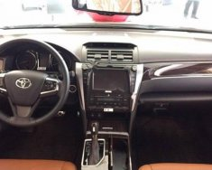 Cần bán Toyota Camry 2.5Q đời 2018, màu trắng giá 1 tỷ 310 tr tại Hà Nội