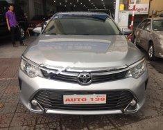 Bán Toyota Camry 2.0E năm 2016, màu bạc chính chủ giá 960 triệu tại Hà Nội