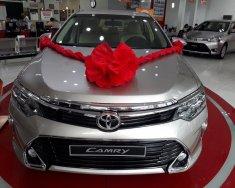 Bán Toyota Camry 2.0E đời 2018, màu bạc giao ngay giá 960 triệu tại Tp.HCM