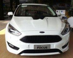 Cần bán lại xe Ford Focus sản xuất 2018, màu trắng, giá tốt giá 730 triệu tại Tp.HCM