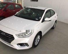 Cần bán xe Hyundai Accent đời 2018, màu trắng giá 424 triệu tại Hà Nội
