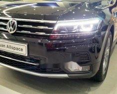 Bán ô tô Volkswagen Tiguan năm 2018, màu đen, nhập khẩu nguyên chiếc giá 1 tỷ 699 tr tại Tp.HCM