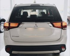 Bán Mitsubishi Outlander năm 2018, màu trắng, nhập khẩu nguyên chiếc sự lựa chọn hoàn hảo giá 822 triệu tại Quảng Bình