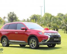 Bán Mitsubishi Outlander màu đỏ, khuyến mãi lớn, giá tốt, hỗ trợ vay vốn đến 85% giá trị xe. LH 0981267096 giá 941 triệu tại Tp.HCM