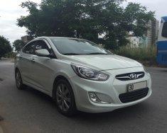 Cần tiền bán gấp Hyundai Accent 2012 AT, nhập khẩu màu trắng giá 430 triệu tại Hà Nội