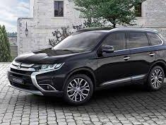 Cần bán Mitsubishi Outlander đời 2018, màu đen giá 823 triệu tại Quảng Bình