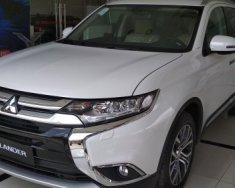 Bán xe Mitsubishi Outlander 2.4CVT Premium đời 2018, màu trắng giá 1 tỷ 100 tr tại Tp.HCM