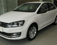 Bán xe Volkswagen Polo Sedan 5 chỗ, nhập khẩu nguyên chiếc chính hãng mới 100% giá rẻ. LH ngay 0933 365 188 giá 699 triệu tại Tp.HCM